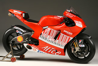 Casey Stoner Ducati D16 Desmosedici GPO8 GP08 MotoGP World Champion bike photos pictures images