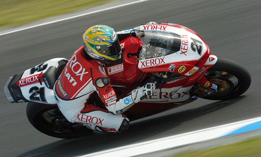 Troy Bayliss action on Ducati 999Fo7