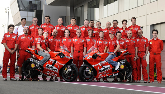 Ducati 2009 MotoGP Team picture