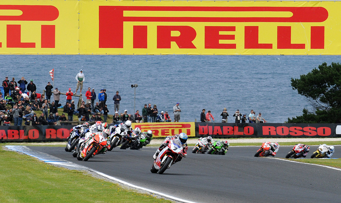 Phillip Island World Superbike race start 2011 carlos Cgeca photo picture