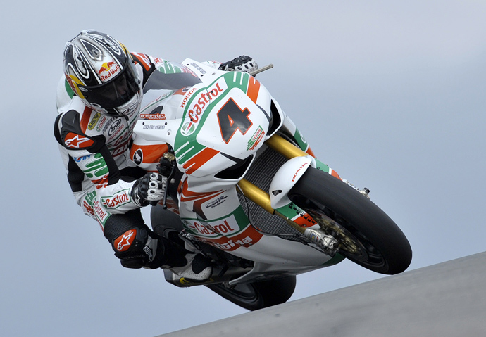 Jonthan Rea Ten Kate castrol Honda action racing photo World Superbike
