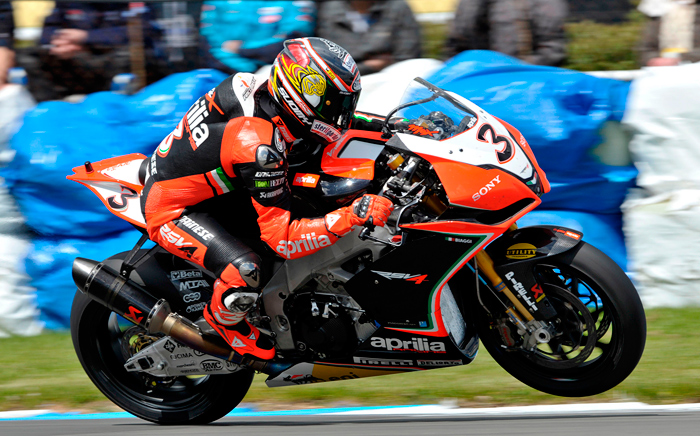 Max Biaggi action race photo