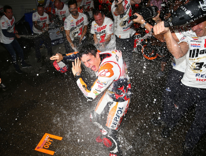 Marc marquez champaign spray photo Motegi
