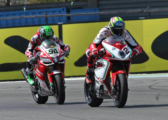 Camier Loes race action Assen SBK