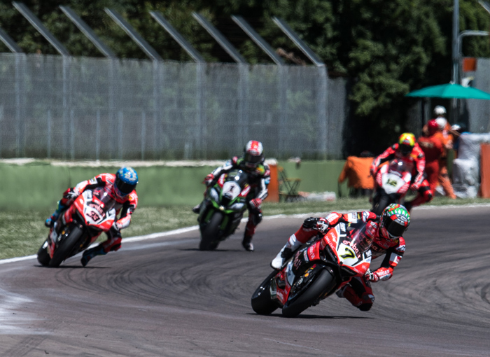 Chaz davies race action Imola SBK