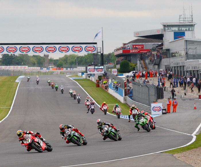 Donnington World Superbike start 2107