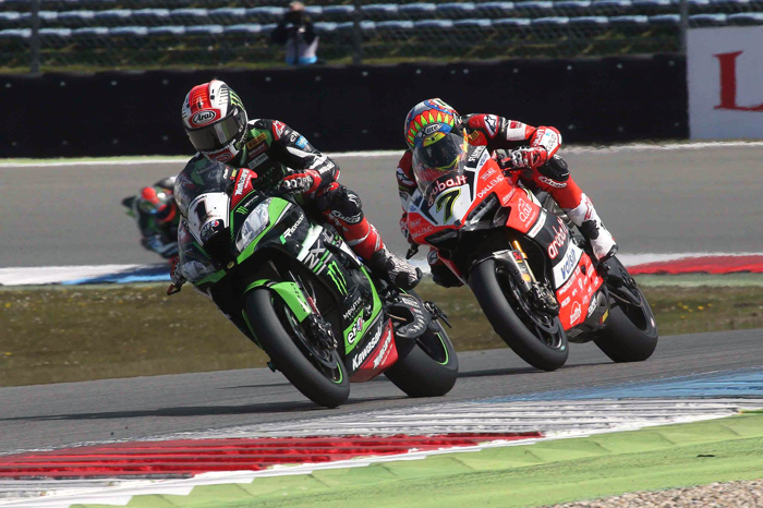 Jonthan Rea, Chaz davies, action Assen SBK World Superbike 2017