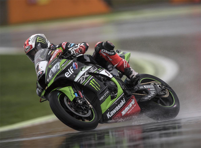 Jonthan Rea race action rain Magny-Cours 2017 World SBK Champion